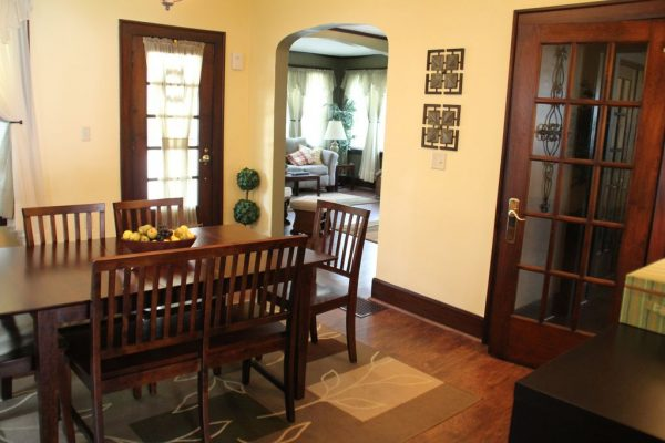 View of dining room table in Kimton House rental.